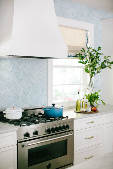 wilmington-nc-stove-hood-white-gathered