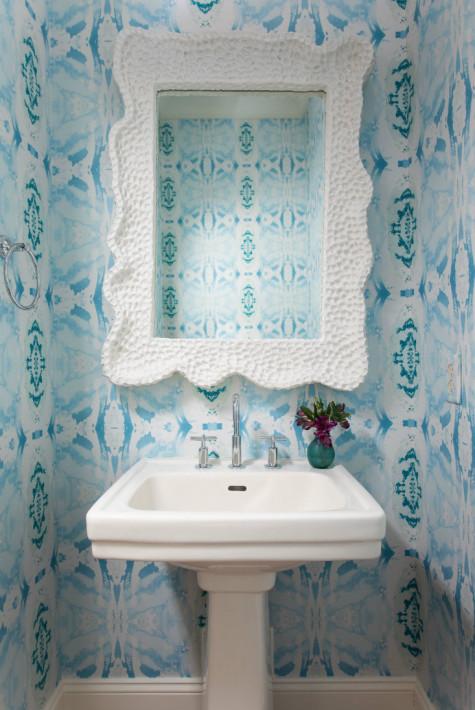 blue-pattern-wallpaper-porcelin-sink-mirror