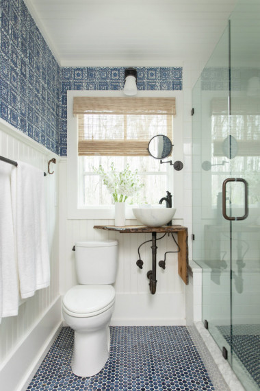 gathered-group-tile-pattern-floor-bathroom-wallpaper