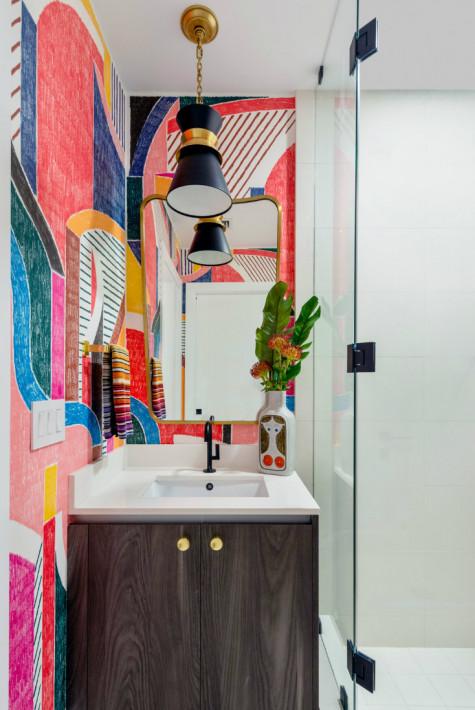 gathered-interior-design-abstract-art-wall-bathroom