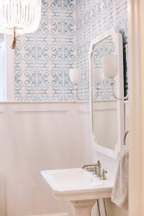 gathered-interior-design-bathroom-sink-mirror