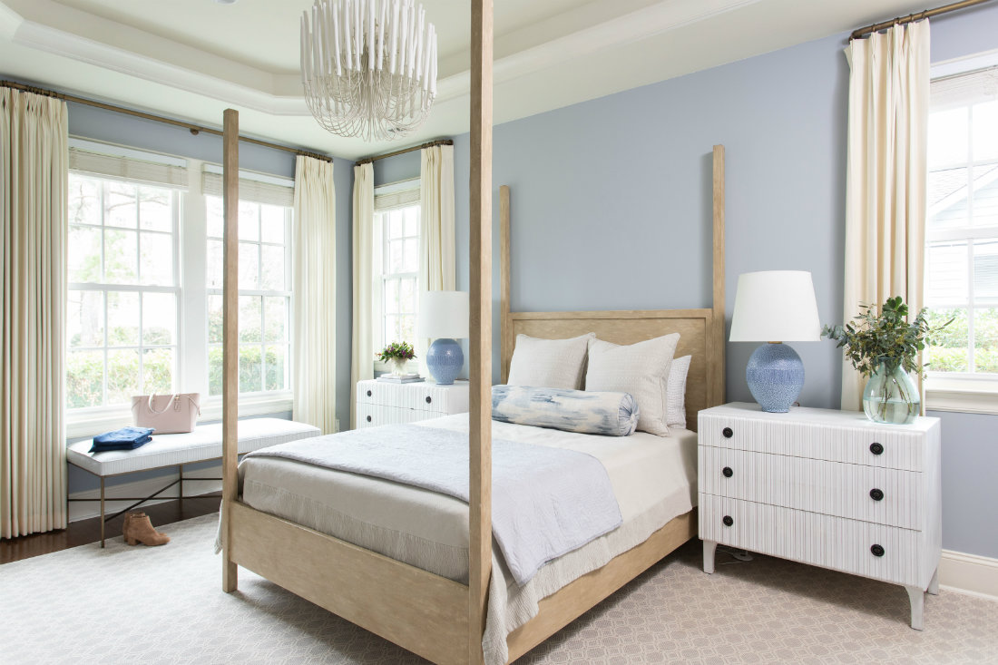 gathered-interior-design-wooden-post-bed