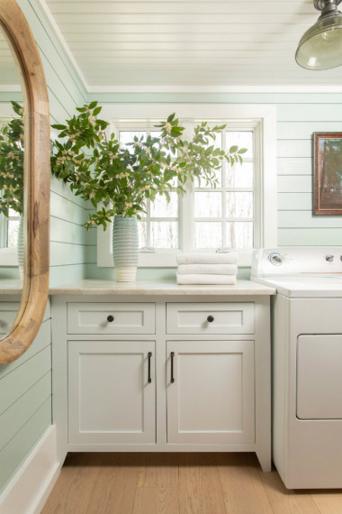 laundry-room-counter-space-lake-waccamaw-nc