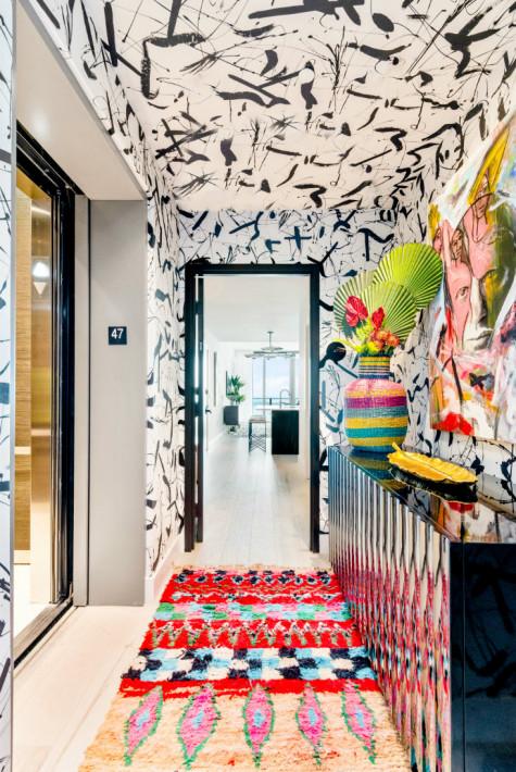 loud-art-pattern-ceiling-wallpaper-colorful