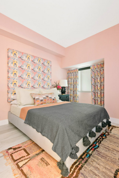 miami-fl-pink-walls-bedroom-design