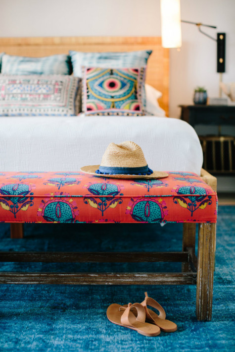 pink-red-blue-beach-bedroom-bench-fabric-sandals-hat-beach