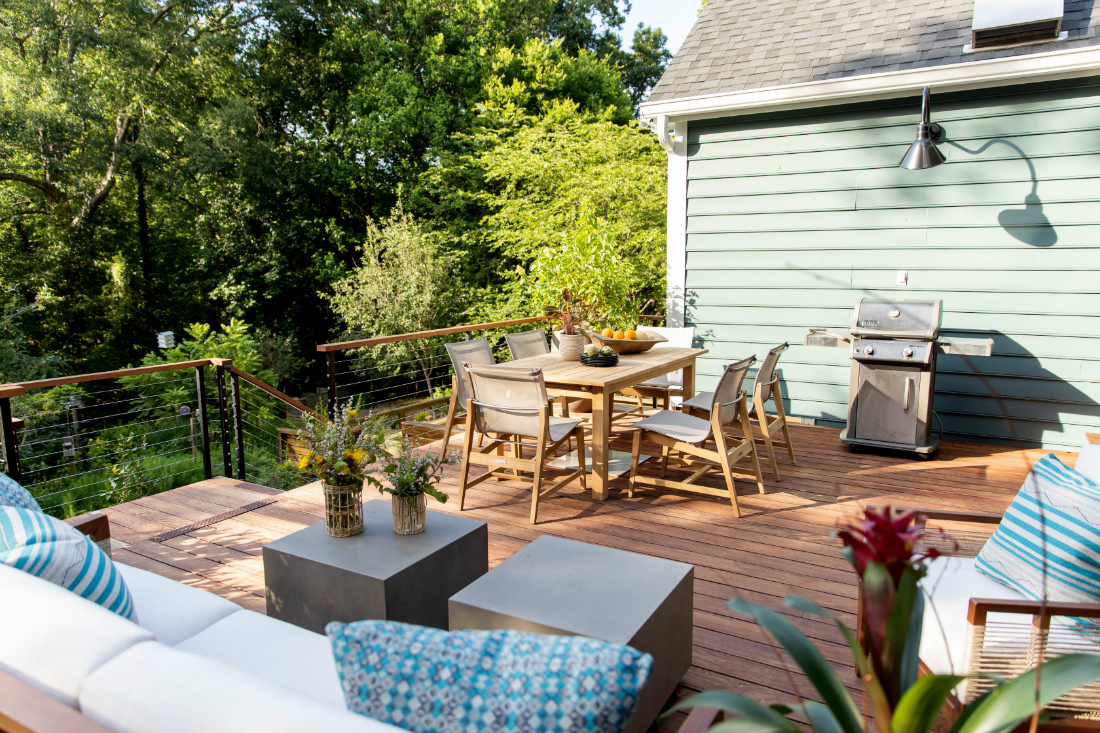 outdoor-deck-patio-dining-area-chapel-hill-nc