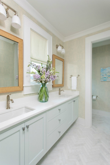 wrightsville-beach-nc-dual-sink-bathroom-design