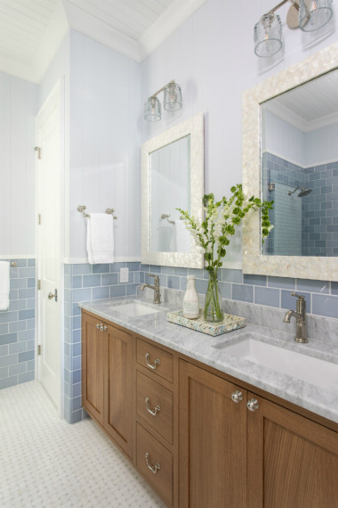 bathroom-design-dual-sinks-tile-backsplash-wrightsville-beach-nc