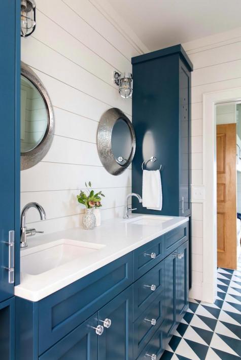 blue-paint-cabinets-beach-house-bathroom-design-figure-eight-island-nc