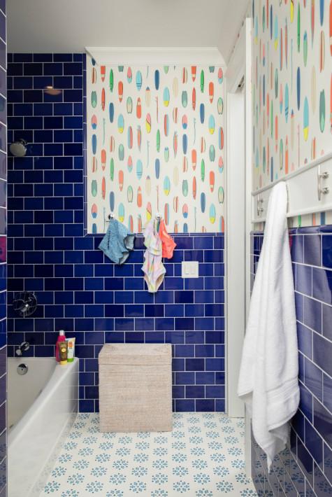 dark-blue-tile-bathroom-interior-design-kids