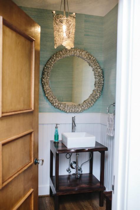 gathered-interior-design-powder-room-bathroom-circle-mirror