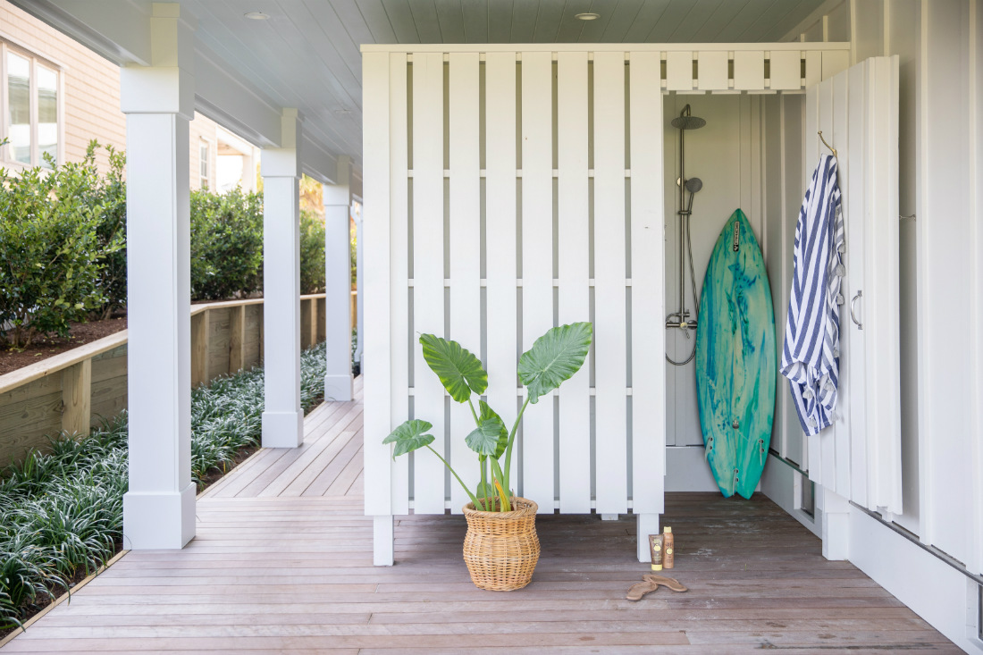 outdoor-shower-beach-house-surfboard-wrightsville-beach-nc