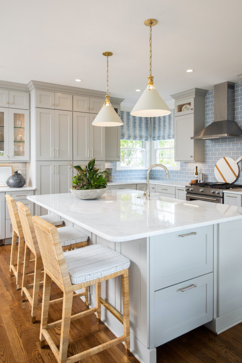 large-kitchen-island-with-barstool-counter-seating